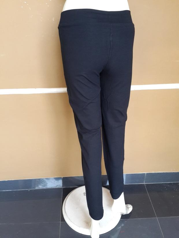 celana hitam panjang wanita