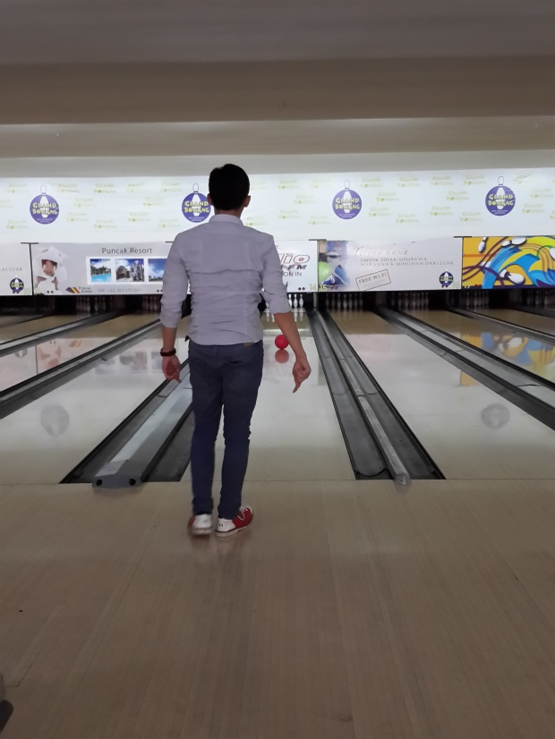 tempat main bowling